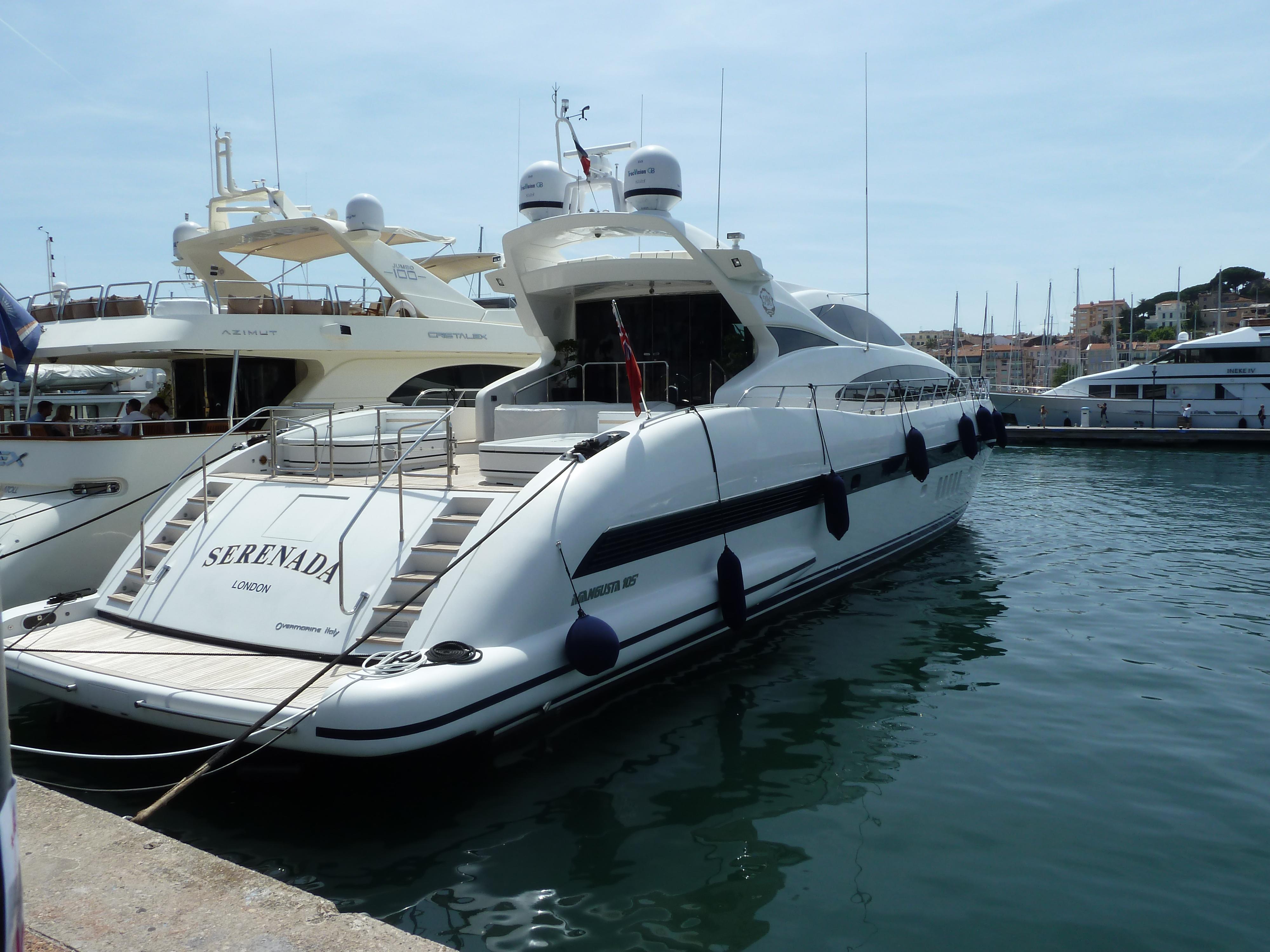 Serenada, Mangusta 105' S, Cannes