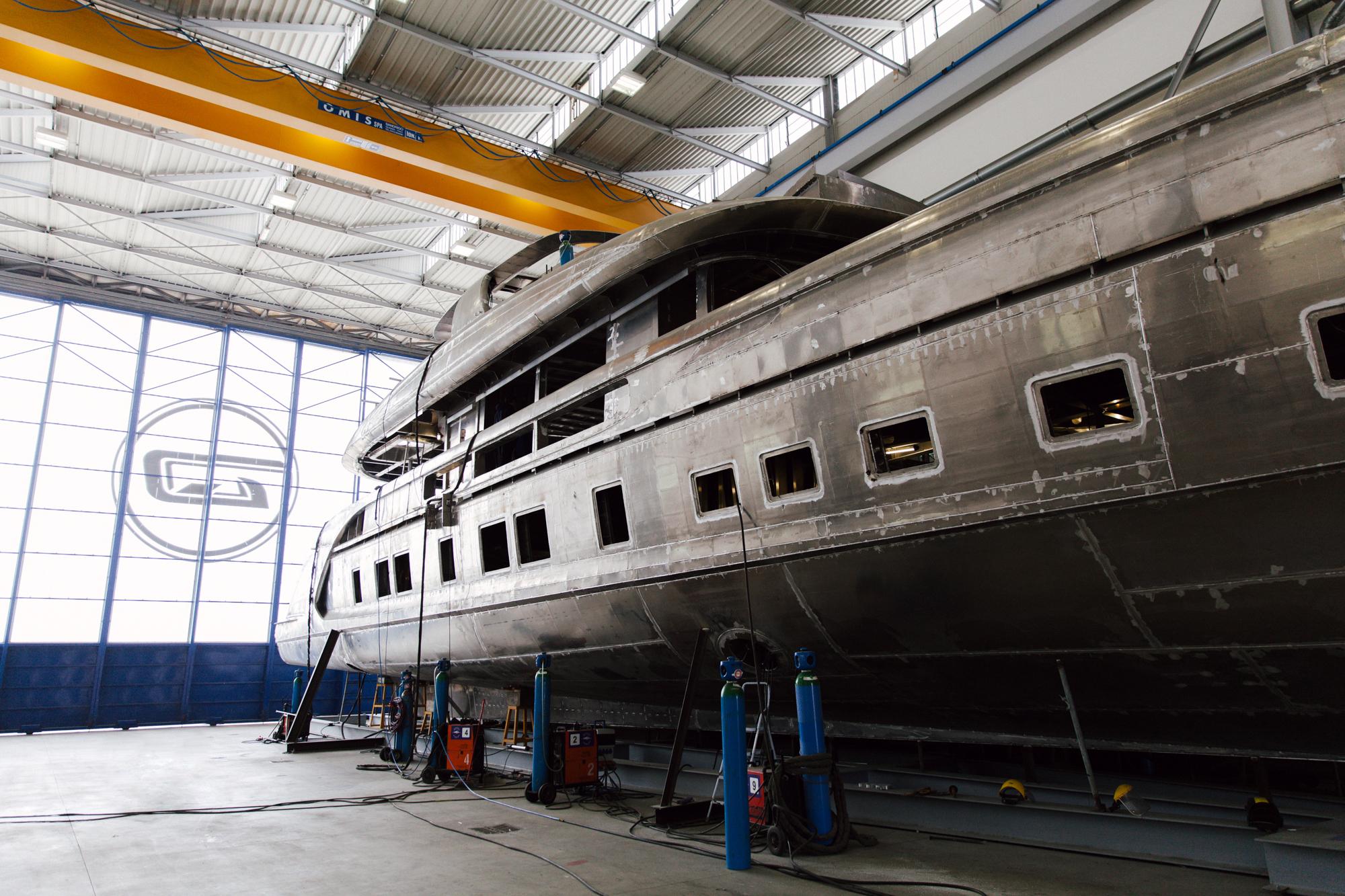 GTT 115 in Dynamiq's shipyard in Viareggio.jpg