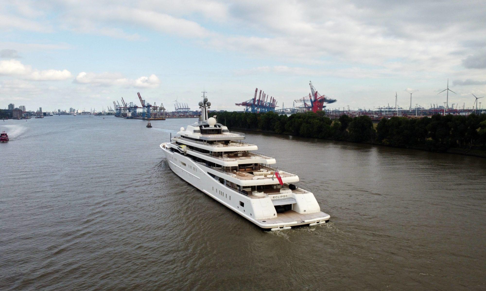 Luxuryyacht Eclipse in Hamburg